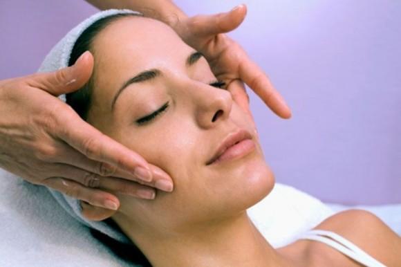 Как сделать базовый массаж лица